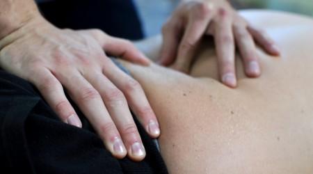 traitement-fascia-deroule-detente-muscle-mains